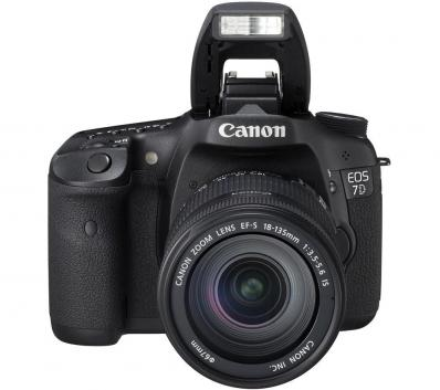 Aparat foto D-SLR, EOS 700D Kit: + obiectiv 18-135 AC8596B009AA